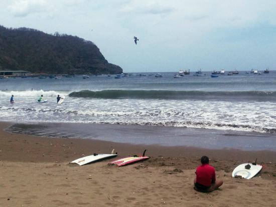 CHICABRAVA Surf Camp: Taking a break.