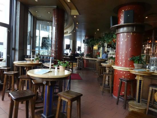 bar area bild von brauhaus joh albrecht hamburg tripadvisor. Black Bedroom Furniture Sets. Home Design Ideas