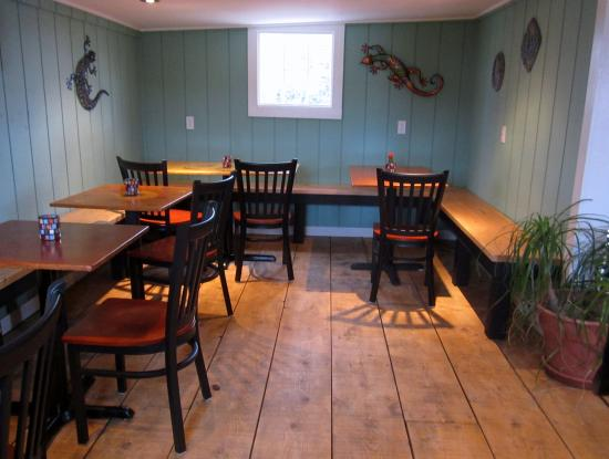An Interior View of Gecko's West perry Cafe