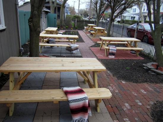 Gecko's: Outdoor Garden Seating