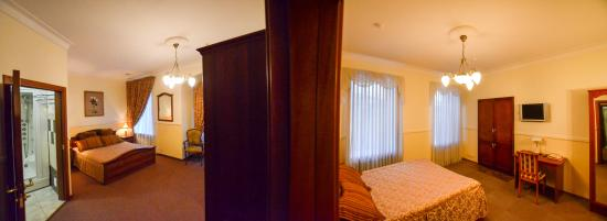 Hotel Vera: Deluxe two bedroom suite