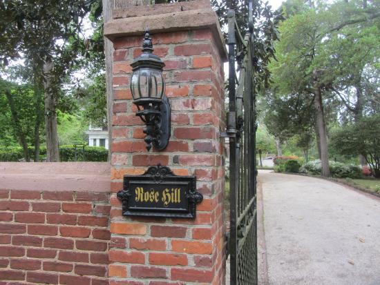 Rose Hill Estate: Front entrance