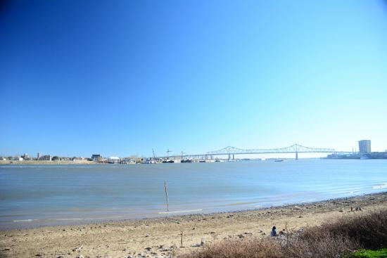 Mississippi River: The River