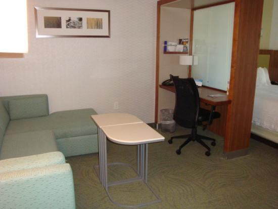 SpringHill Suites Grand Junction Downtown/Historic Main Street: couch/desk area