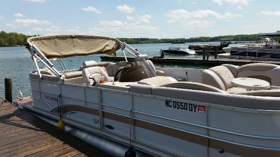 Sherrills Ford, NC: Aquaventure Watercraft Rentals