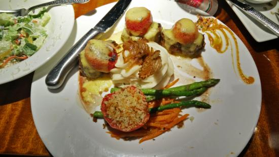 E&E Stakeout Grill: The Bookmaker, filet medallions