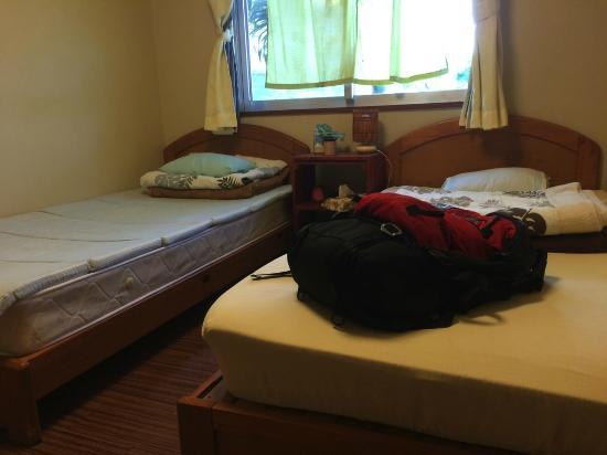 Guesthouse Hanahana: ツインベッドルーム
