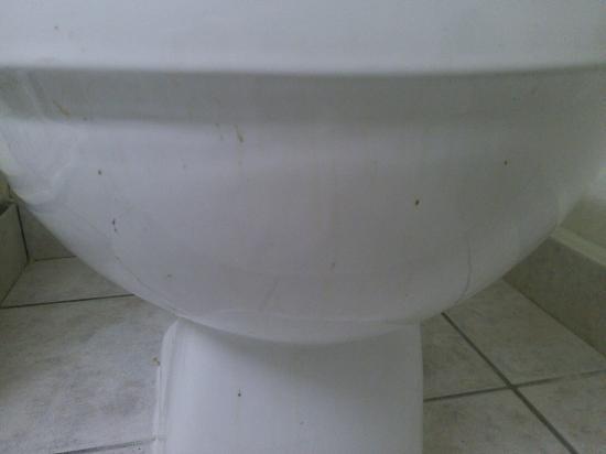 Americas Best Value Inn-Thousand Oaks: Das dreckigste Bad das ich je gesehen habe !!!