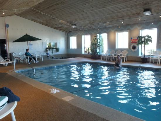 Bayside Resort Hotel A Very Well Maintained Indoor Pool