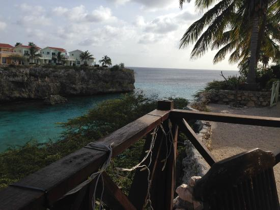 Bahia Apartments & Diving : romantic view from the restaurant