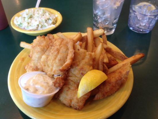 Billy's Chowder House : Fried haddock