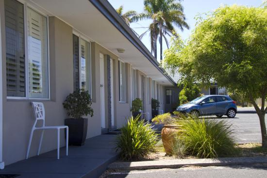 Gale Street Motel & Villas: Verandah Area Motel Section