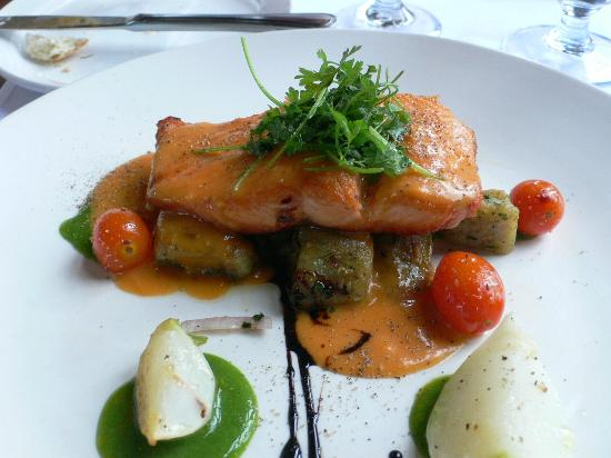 Fireside Grill: Lovely fish planked on scallop frites