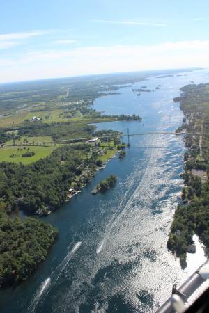 กันนานอก, แคนาดา: St Lawrence River