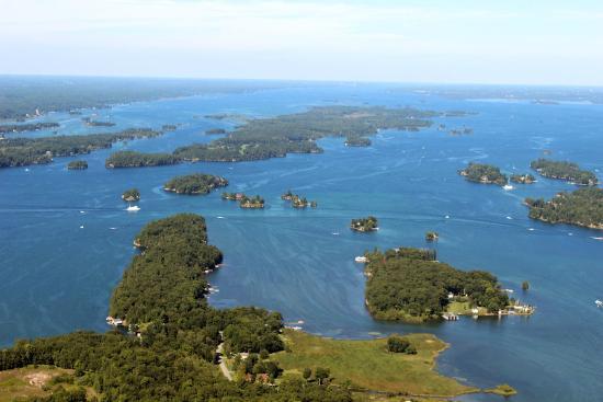 กันนานอก, แคนาดา: some of the islands