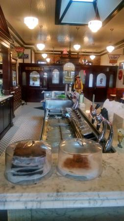 Huggin' Molly's : Perfectly restored soda fountain and drug store.