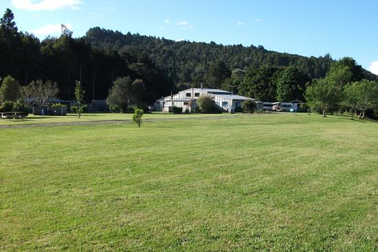Riverglen Holiday Park and Campground