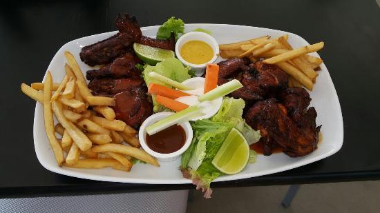 El Faro Restaurant
