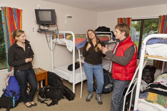 YHA Te Anau multi-share