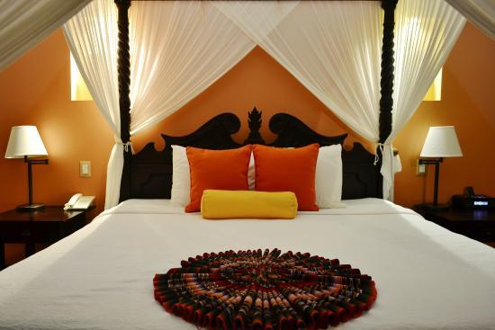Rio Celeste Hideaway Hotel: King size bedroom