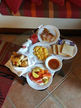 Cinnamon Citadel Kandy: Breakfast.... room service.. if your too lazy to go for the buffet