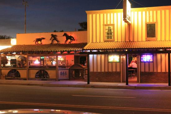 Wickenburg, AZ: La Cabana right downtown