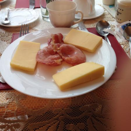 Southmead Guest House : The 'ham, cheese and croissants'!!!!