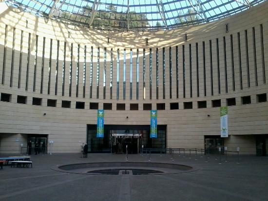 Ingresso mart da corso bettini picture of museo di arte for Museo d arte moderna e contemporanea di trento e rovereto