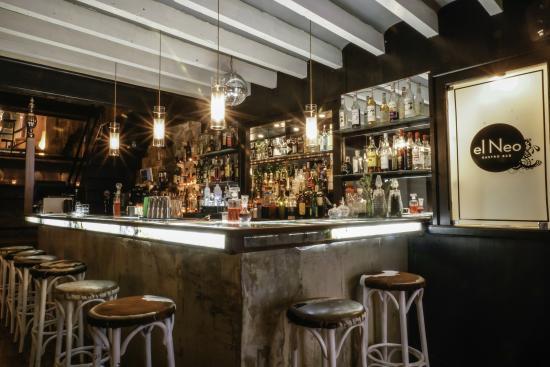 el Neo Tapas & Cocktails
