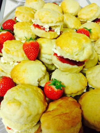 Radcliffe on Trent, UK: Mini scones with jam and clotted cream ... Mmmmmmm