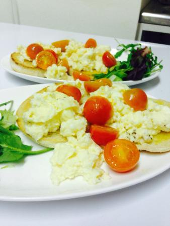 Radcliffe on Trent, UK: Available all day ..... Scrambled egg with cherry tomatoes on a toasted muffin ��