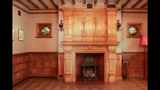 Prested Hall Hotel: Oak room