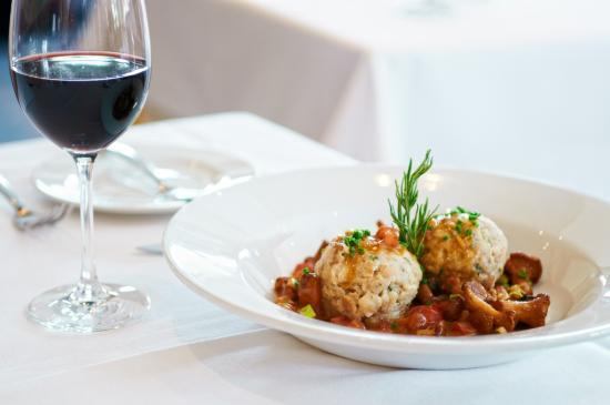 Hotel Restaurant Hallnberg: Semmelknödel mit Pfifferling