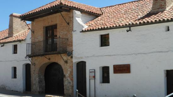 Hotel Plaza de Toros de Almaden: Exterior