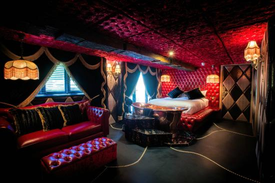 Crazy Bear Hotel Townhouse Room