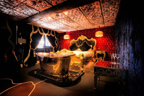 The Crazy Bear Hotel - Beaconsfield