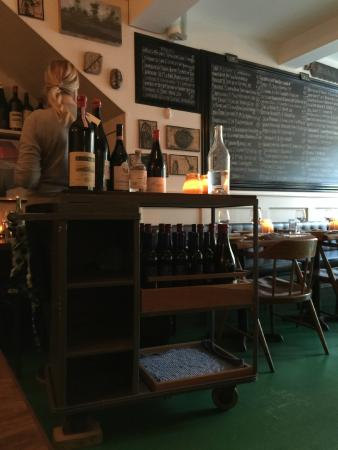 Liverpool House: Wine station and menu behind on chalk board