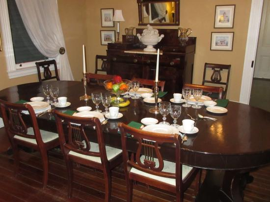 1888 Wensel House B&B: lovely dining area