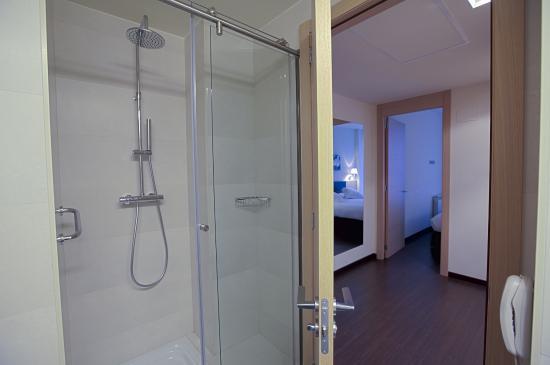Jardines de uleta suites hotel vitoria gasteiz spanien for Jardines de uleta
