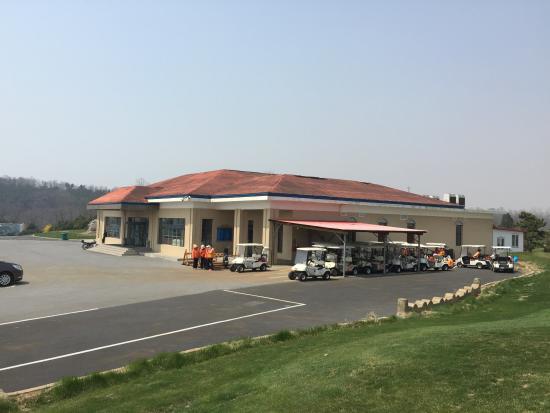 Jinshi Golf Club: クラブハウス