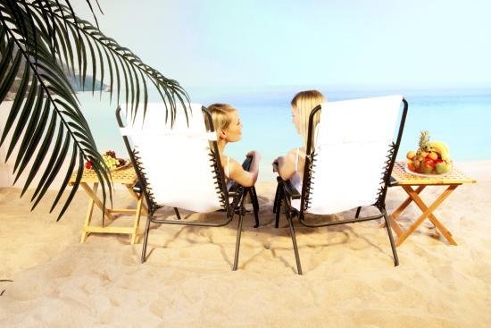 Sol & Sand : Inomhussandstrand med solens alla goda egenskaper. Ljusterapi på ett njutbart sätt året om.