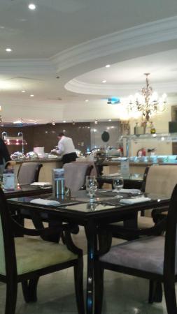 Sheraton Khalidiya Hotel: salla