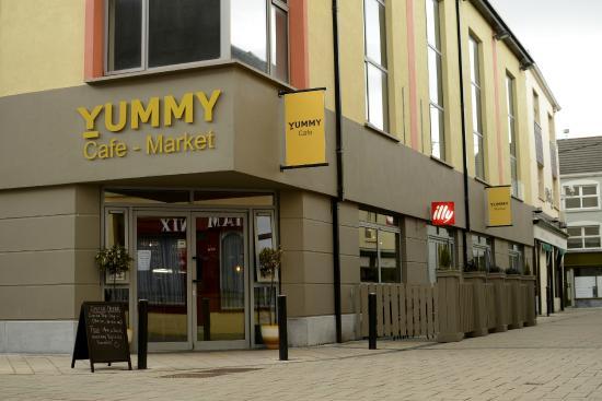 Yummy Cafe Market