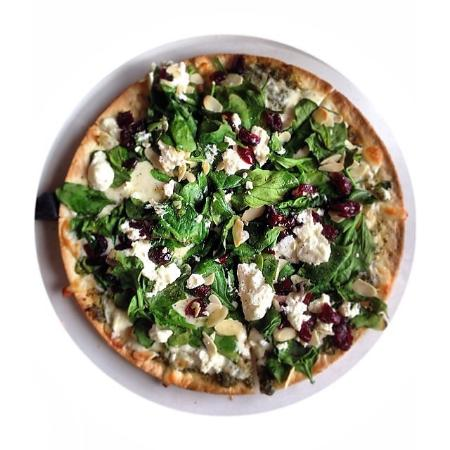 Atmosphere Cafe : Spinach & Goat Cheese Pizza