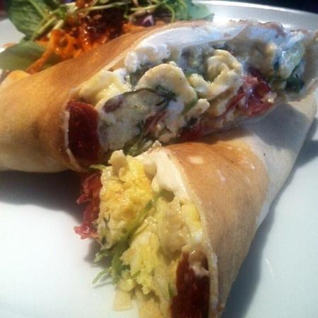 Atmosphere Cafe : Savory Crepes