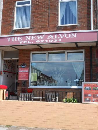 The New Alvon Hotel : Hotel front