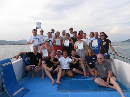 Thailand Divers - Phuket Scuba Diving: Thailand Divers and a great group completing their discover scuba diving experience