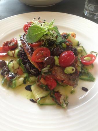 Le Potiron Gourmet: Dorade with mediterranean salad