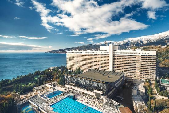 Yalta Intourist Hotel