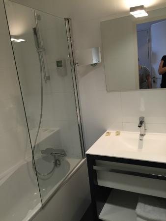 Salle De Bain Enfants Photo De Qualys Hotel Spa Vannes Vannes - Salle de bain vannes